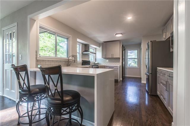 701 W Santa Fe Trail, Kansas City, MO 64145 (#2164307) :: House of Couse Group