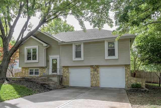 6219 Albervan Street, Shawnee, KS 66216 (#2164390) :: House of Couse Group