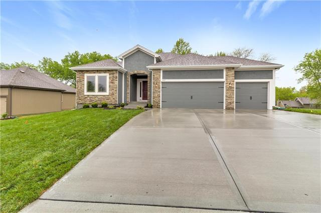 3605 NE 91st Place, Kansas City, MO 64155 (#2164422) :: House of Couse Group
