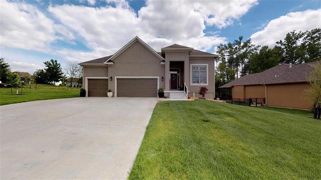 817 155th Terrace, Basehor, KS 66007 (#2164586) :: Team Real Estate