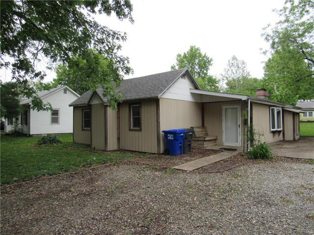 1609 E 11th Street, Sedalia, MO 65301 (#2164606) :: Team Real Estate