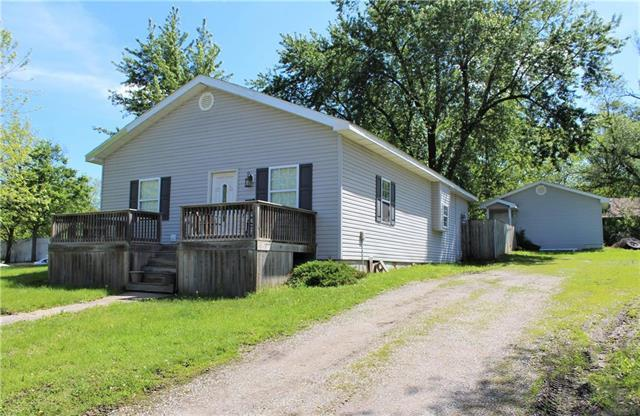 105 N Locust Street, Sweet Springs, MO 65351 (#2164861) :: Team Real Estate