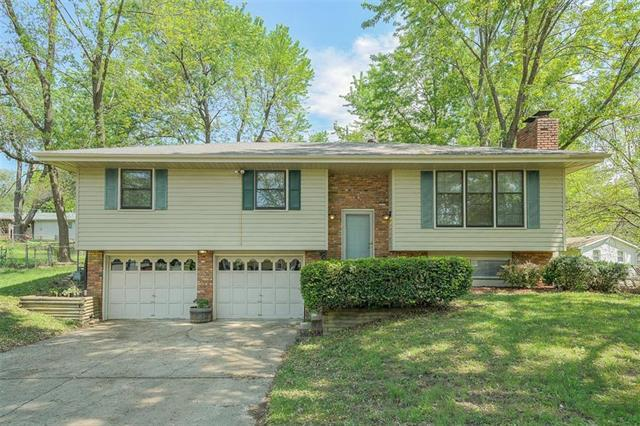7006 NW 73rd Terrace, Kansas City, MO 64152 (#2164867) :: House of Couse Group
