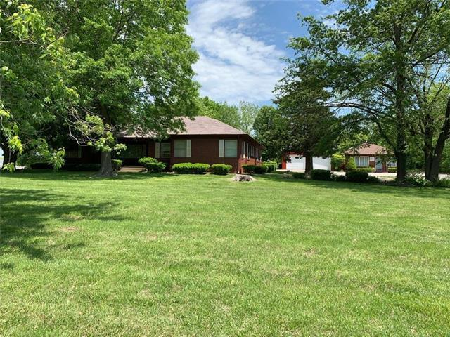 1035 S Maguire Street, Warrensburg, MO 64093 (#2164972) :: Clemons Home Team/ReMax Innovations