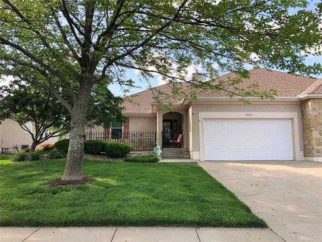 4206 SW Homestead Drive, Lee's Summit, MO 64082 (#2164984) :: House of Couse Group
