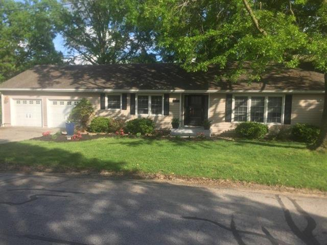 1523 High Drive, Lexington, MO 64067 (#2164990) :: House of Couse Group