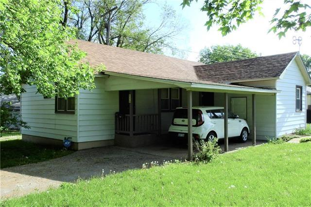220 S Vine Street, Garnett, KS 66032 (#2165023) :: House of Couse Group