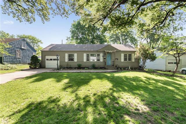 5725 Horton Street, Mission, KS 66202 (#2165075) :: House of Couse Group