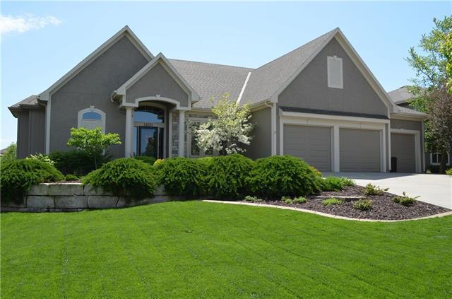 24351 W 108th Terrace, Olathe, KS 66061 (#2165092) :: House of Couse Group