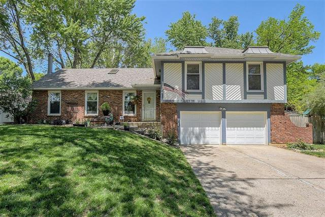 4710 NW Coves Drive, Kansas City, MO 64151 (#2165205) :: House of Couse Group