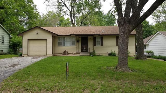 11413 Norton Avenue, Kansas City, MO 64137 (#2165217) :: House of Couse Group