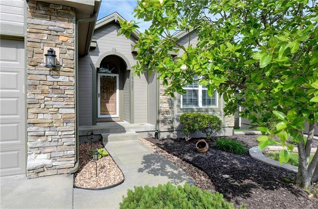 19627 Harbor Drive, Smithville, MO 64089 (#2165270) :: Kansas City Homes