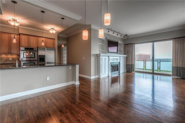 4950 Central #703 Street, Kansas City, MO 64112 (#2165324) :: House of Couse Group