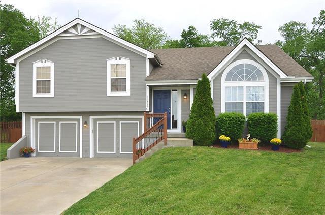 11800 N Lydia Avenue, Kansas City, MO 64155 (#2165348) :: Dani Beyer Real Estate