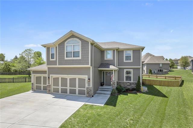 400 Anthony Circle, Kearney, MO 64060 (#2165422) :: Clemons Home Team/ReMax Innovations