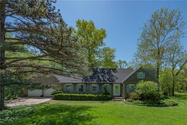 8421 W 64th Terrace, Merriam, KS 66202 (#2165461) :: Edie Waters Network