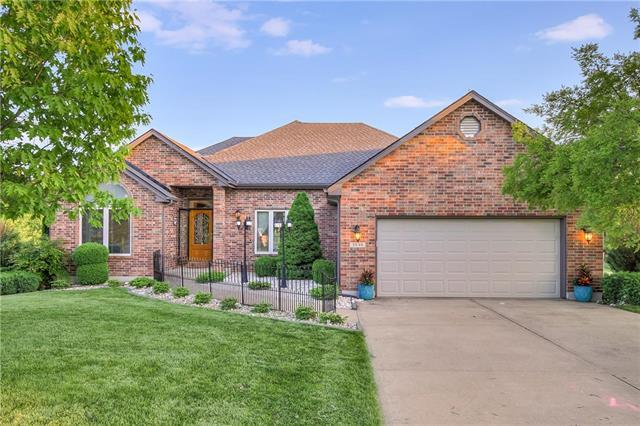3840 S Coachman Drive, Independence, MO 64055 (#2165469) :: House of Couse Group