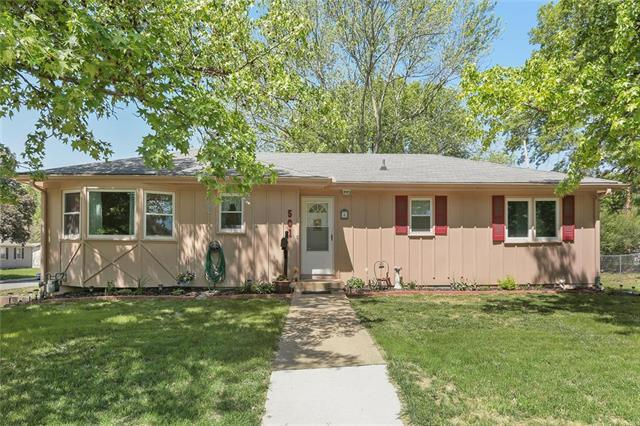 501 N Curtis Street, Olathe, KS 66061 (#2165472) :: House of Couse Group