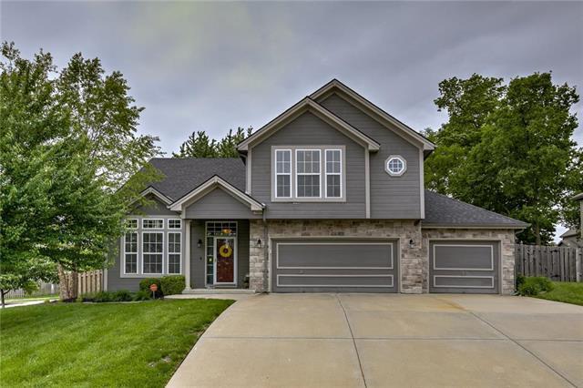 8800 N Chatham Avenue, Kansas City, MO 64154 (#2165511) :: House of Couse Group