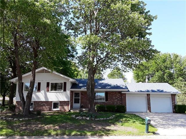 408 S 9th Street, Louisburg, KS 66053 (#2165531) :: House of Couse Group