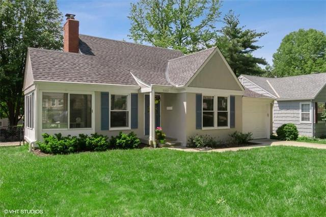 5322 Canterbury Road, Fairway, KS 66205 (#2165545) :: House of Couse Group