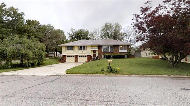 701 NW 12th Street, Blue Springs, MO 64015 (#2165552) :: Kansas City Homes
