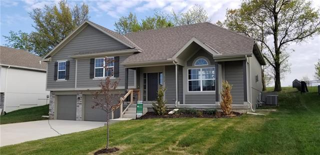 912 SE Forest Ridge Court, Blue Springs, MO 64014 (#2165586) :: House of Couse Group