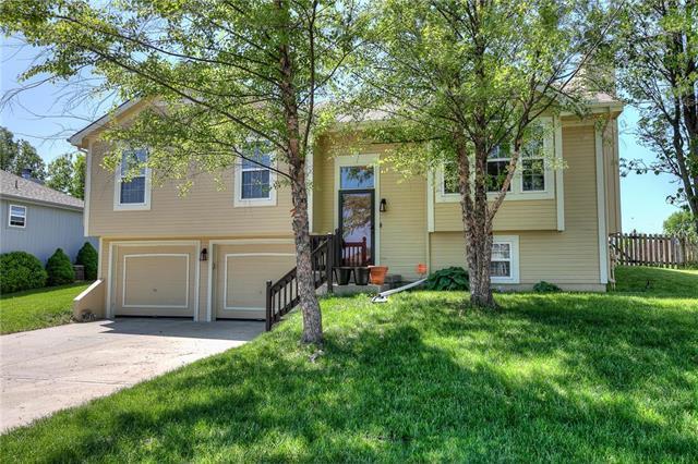 7905 NE 106th Terrace, Kansas City, MO 64157 (#2165592) :: Kansas City Homes