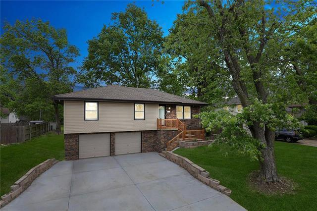 508 SW Persels Road, Lee's Summit, MO 64081 (#2165666) :: Kansas City Homes