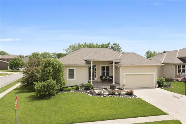 30103 W 184th Terrace, Gardner, KS 66030 (#2165713) :: House of Couse Group