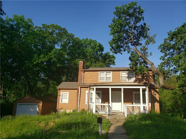 7570 Olive Street, Kansas City, MO 64132 (#2165770) :: House of Couse Group