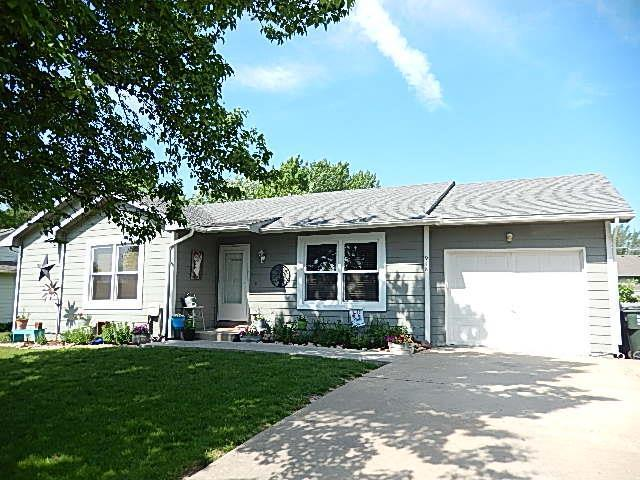 918 N Hemlock Street, Ottawa, KS 66067 (#2165775) :: House of Couse Group