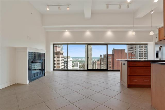 1101 Walnut Street #1702, Kansas City, MO 64106 (#2165802) :: Team Real Estate