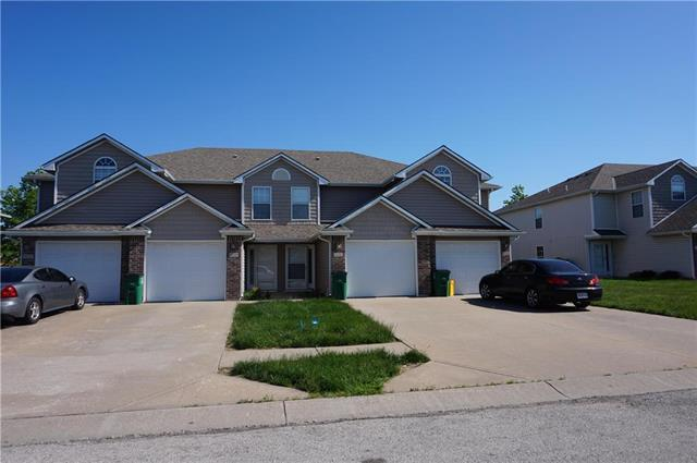823 SW Peach Tree Lane, Blue Springs, MO 64064 (#2165820) :: Kansas City Homes
