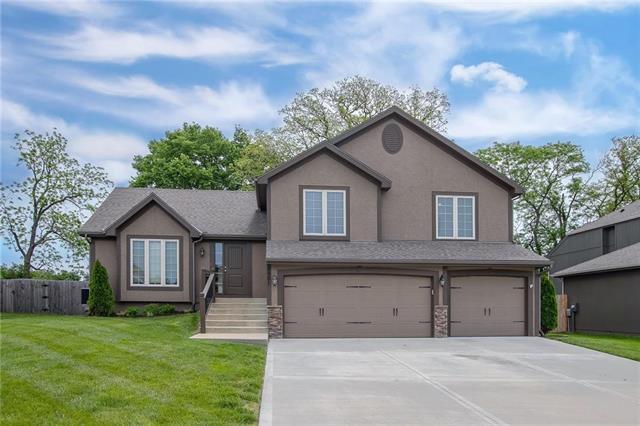 8901 N Norton Avenue, Kansas City, MO 64156 (#2165835) :: Kansas City Homes