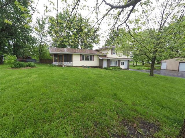 97 8th Street, Garden City, MO 64747 (#2165849) :: House of Couse Group