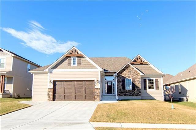 334 SE Highland Park Drive, Lee's Summit, MO 64063 (#2165864) :: Kansas City Homes
