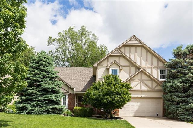 13424 W 105 Terrace, Overland Park, KS 66215 (#2165875) :: Kansas City Homes