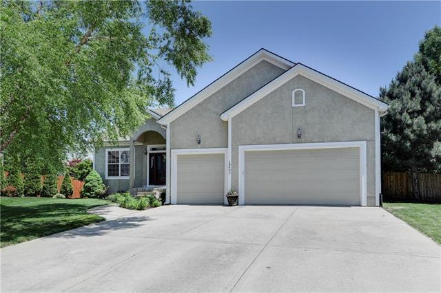 18405 W 153 Terrace, Olathe, KS 66062 (#2165907) :: Kansas City Homes