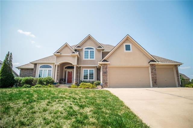 9012 N Lewis Avenue, Kansas City, MO 64157 (#2165911) :: Kansas City Homes