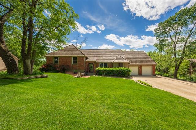 8908 Hirning Road, Lenexa, KS 66220 (#2165919) :: House of Couse Group