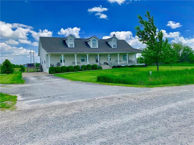 23207 S Shaffer Road, Harrisonville, MO 64701 (#2165930) :: House of Couse Group