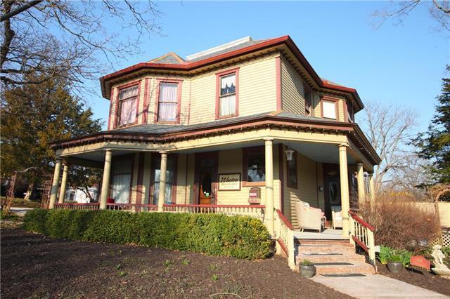 908 Washington Street, Weston, MO 64098 (#2165937) :: Kansas City Homes