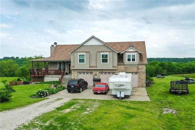 500 Redmans Victory Lane, Oak Grove, MO 64075 (#2166005) :: House of Couse Group