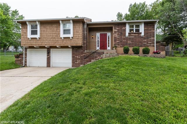 15921 W Brougham Court, Olathe, KS 66062 (#2166049) :: House of Couse Group