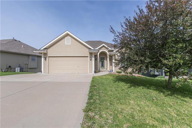 11218 N Lewis Avenue, Kansas City, MO 64157 (#2166070) :: Dani Beyer Real Estate