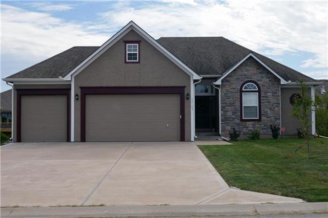 12105 Canna Court, Peculiar, MO 64078 (#2166088) :: House of Couse Group