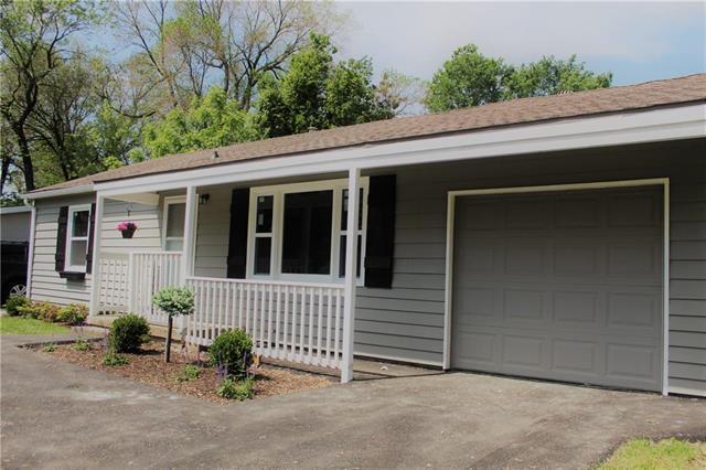 7106 Nall Avenue, Prairie Village, KS 66208 (#2166226) :: House of Couse Group