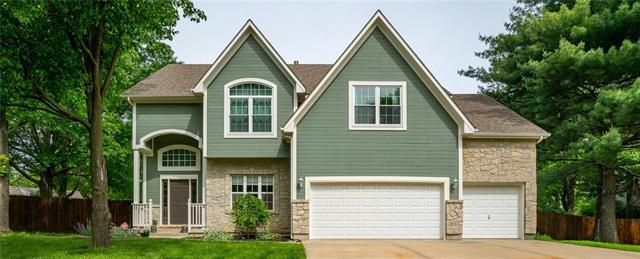 1109 NW Timber Ridge Court, Blue Springs, MO 64015 (#2166229) :: DHG Network