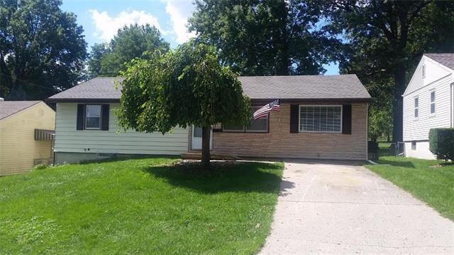3916 S Spring Street, Independence, MO 64055 (#2166355) :: House of Couse Group